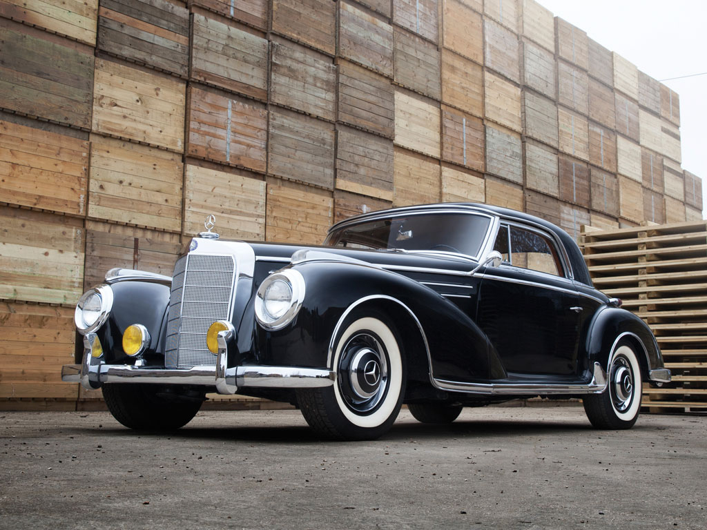 This mercedes benz 300 sc is old school luxury for for Mercedes benz classic cars